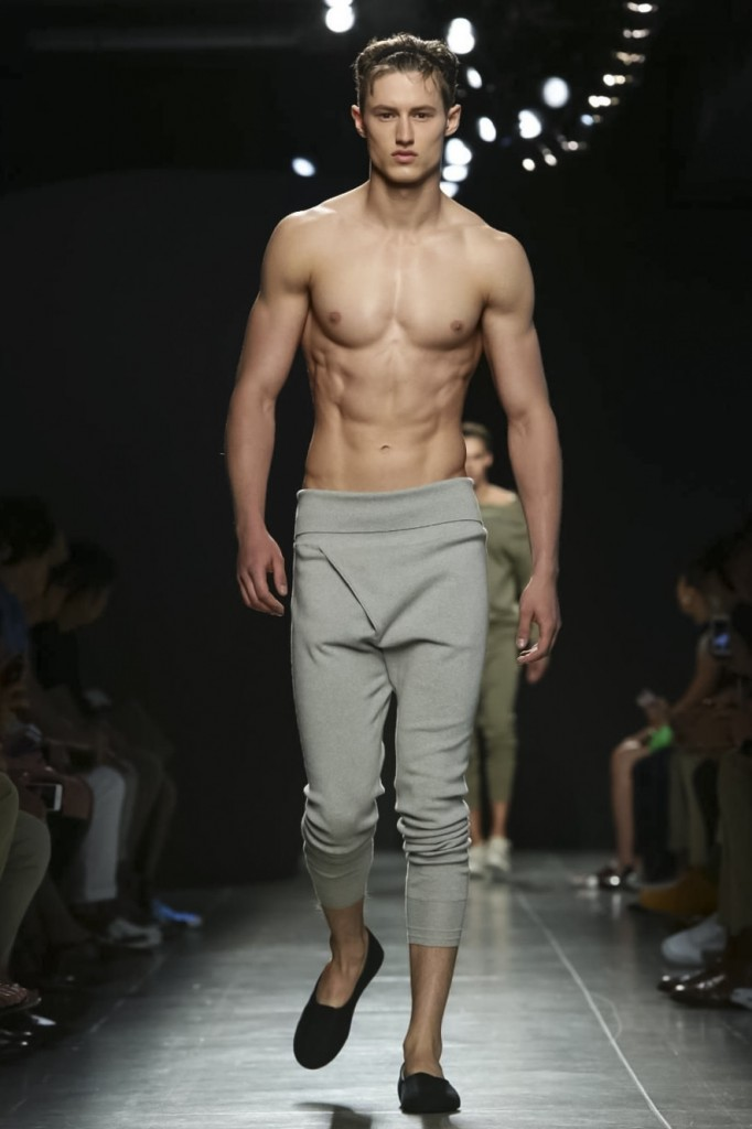 Yes, this longjohns can be worn all alone, Bottega Veneta