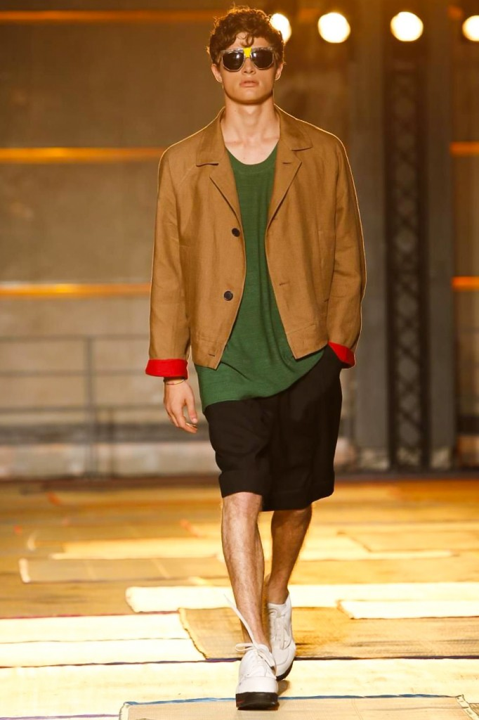 Shades of red, green, beige and black snake through Aldo Maria Camillo's entire spring collection | All photos: courtesy of nowfashion.com, Cerruti 1881