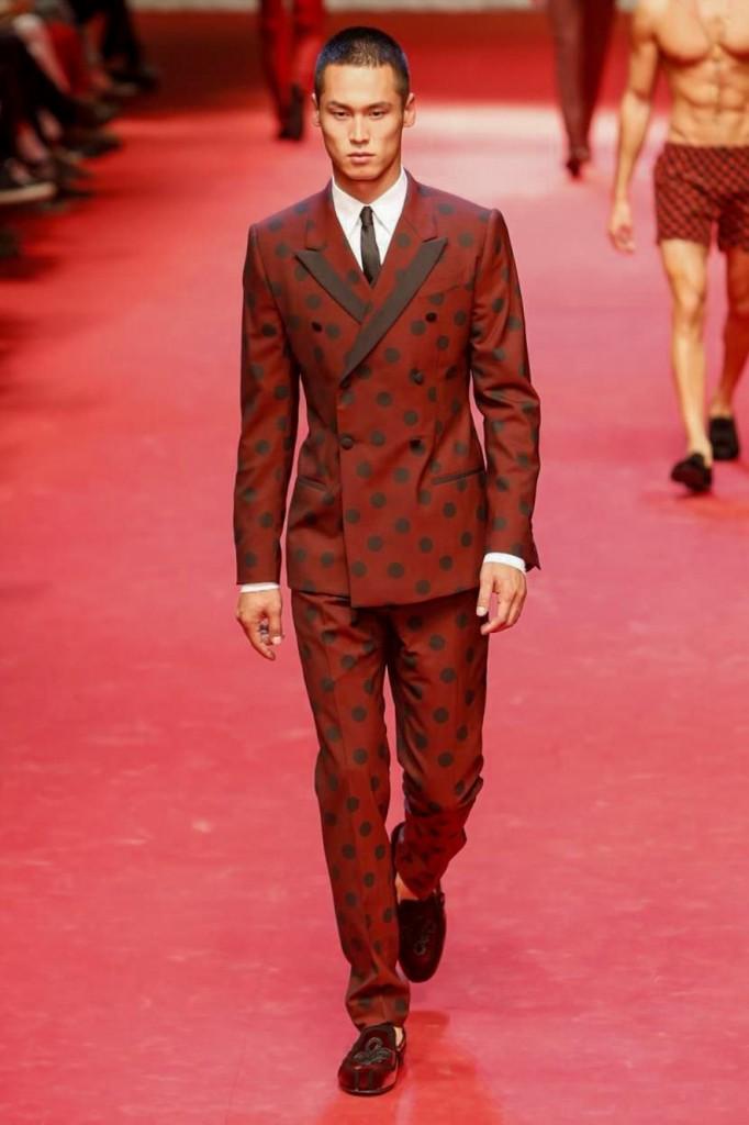 Taut tailoring in witty polka dots, Dolce & Gabbana