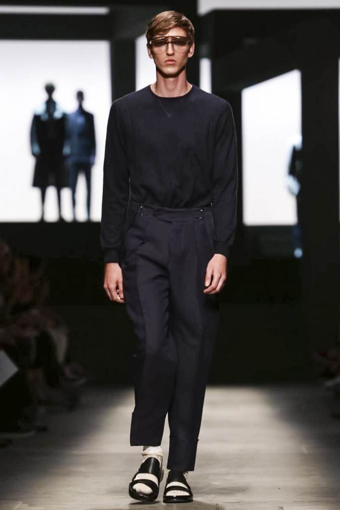 Elegant pants don't need a belt, Ermenegildo Zegna Couture