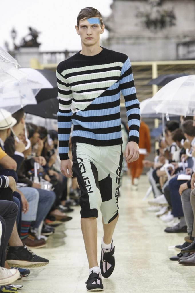 Runway raggery for a running-inspired logo-look at Kenzo
