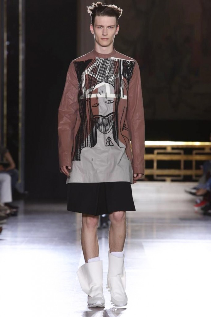 Stitched snoots on sweaters give Owens' fashion a face, Rick Owens