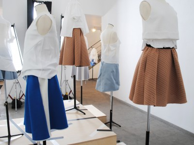 Präsentation der Kollektion Nr.11 in Paris zur Modewoche in der Galerie Karsten Greve