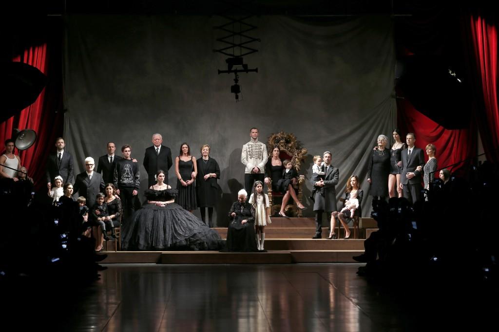 """""""La Nostra Famiglia"""": Dolce & Gabbana's A/W15 collection cherishes the family Dolce & Gabbana"""
