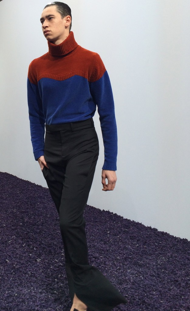 Strong color-blocking on knitwear
