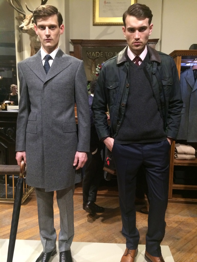 This grey combo makes the spy not stand out, or yes, as an excellent dresser