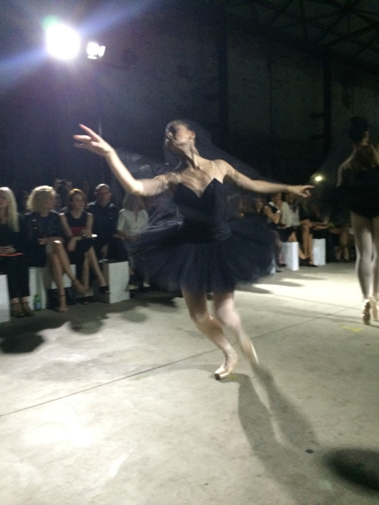 A ballet moment on the catwalk.