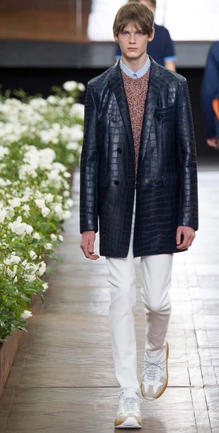 The new jacket, beautifully elongated, shows that Van Assche is a master tailor Dior Homme