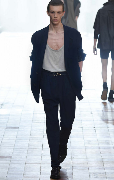 A low hanging T-shirt anchors the jacket Lanvin