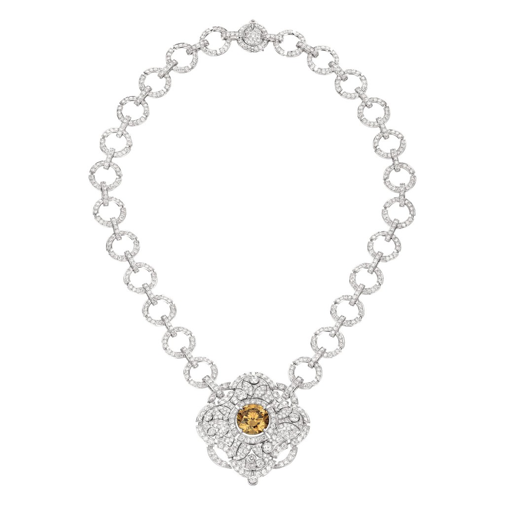 Particulière necklace in 18K white gold set with an 11.6-carat brilliant-cut fancy dark yellow brown diamond, a 2.2-carat brilliant-cut diamond, 83 brilliant-cut brown diamonds for a total weight of 2 carats and 1129 brilliant cut diamonds for a total weight of 23.7 carats