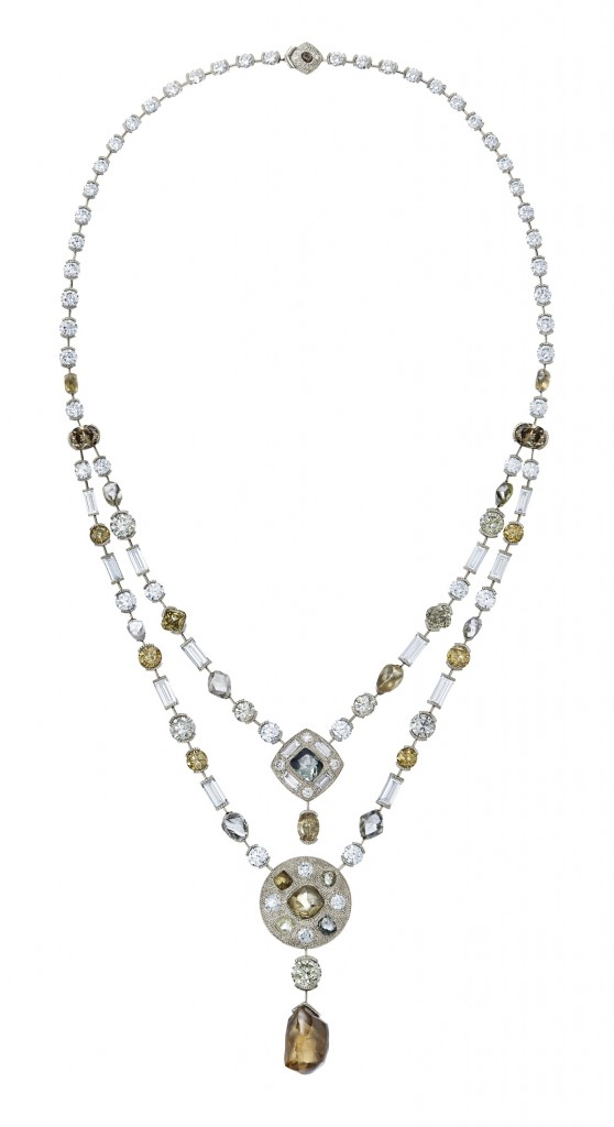 A necklace with an exceptional rough diamond of 13.79 carats