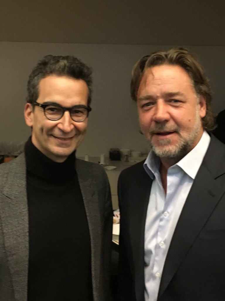 Federico Marchetti and Russell Crowe backstage