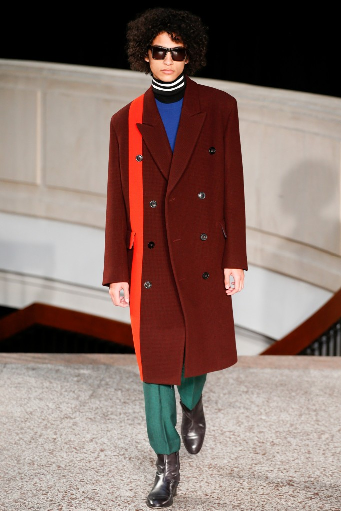 Woolen overcoat with stripe in Primary color