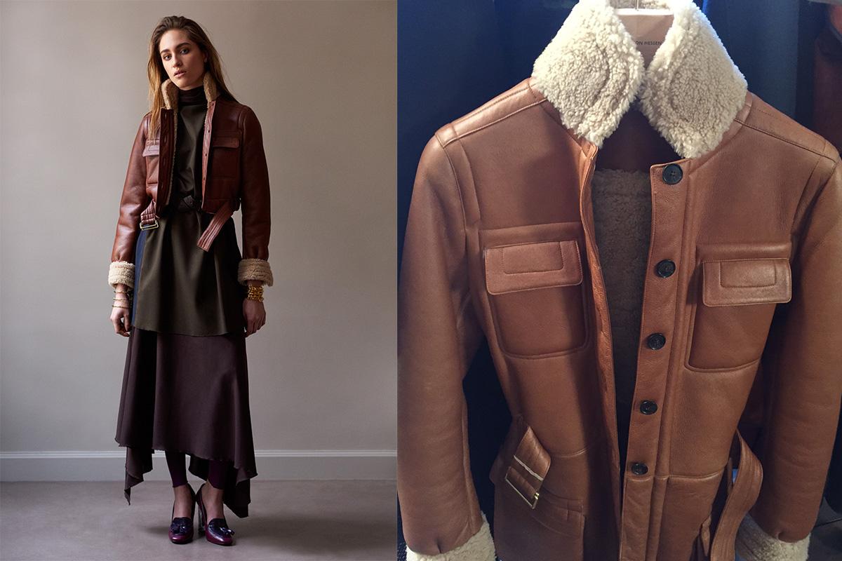 Einfach kombinierbar: Lammfell-Lederjacke über drapiertem Kleid im Schräglauf