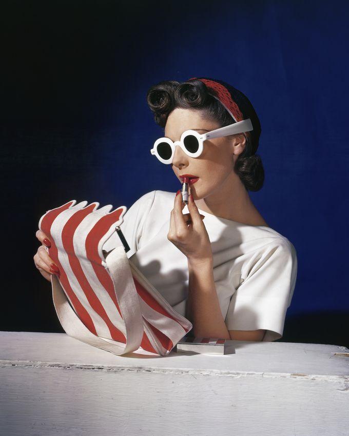 Muriel Maxwell American Vogue 1939 Copyright Conde Nast, Horst Estate
