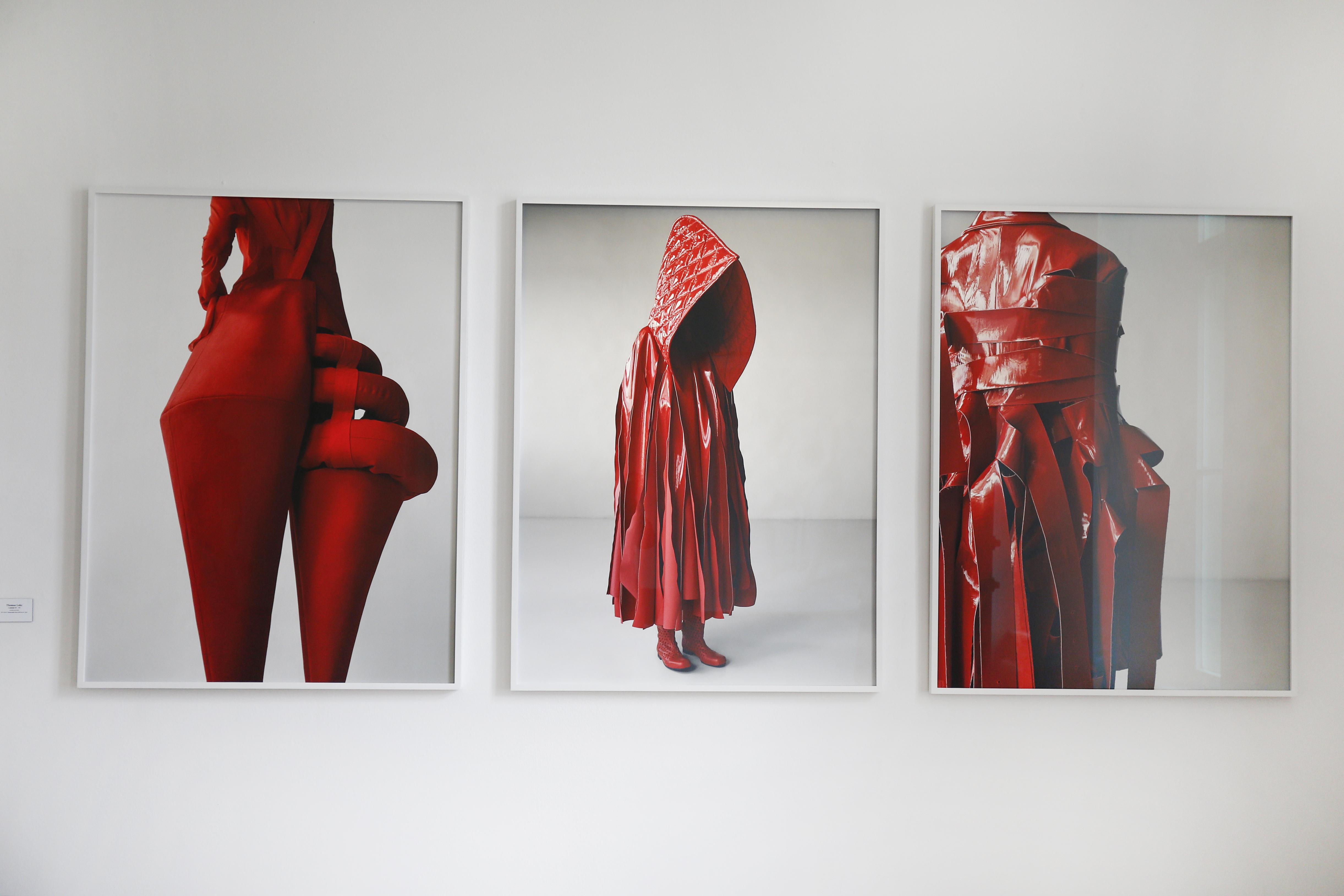 Wir sehen rot: Thomas Lohr für den Berliner Fotografie Salon. ©Isa Foltin/Getty Images for Berliner Fotografie Salon)