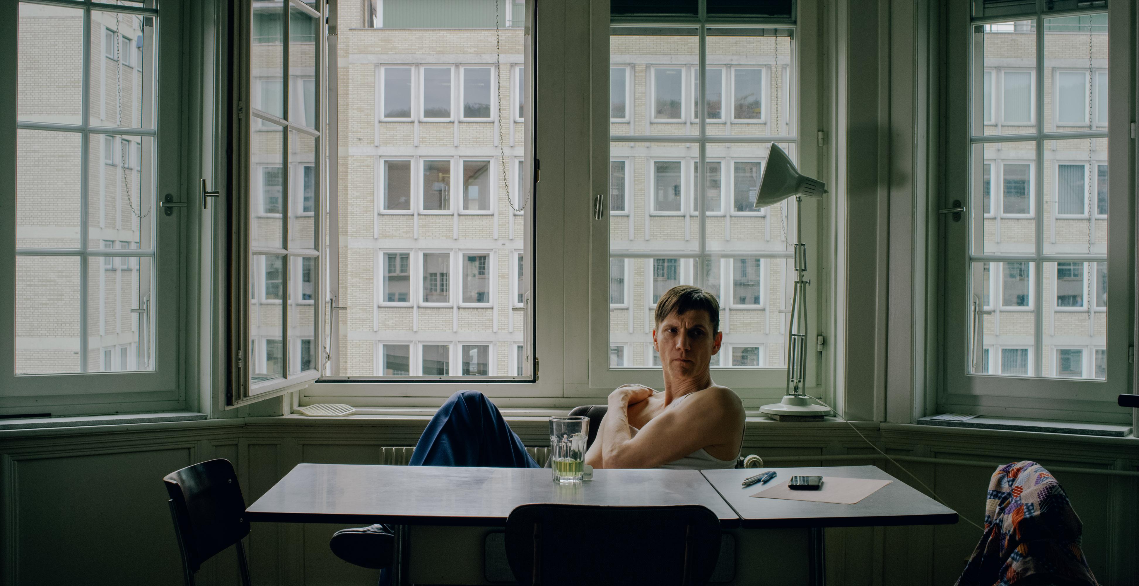 """Markus Scheumann Behind the Scenes von """"Der Volksfeind"""". Courtesy of Marcus Gaab"""