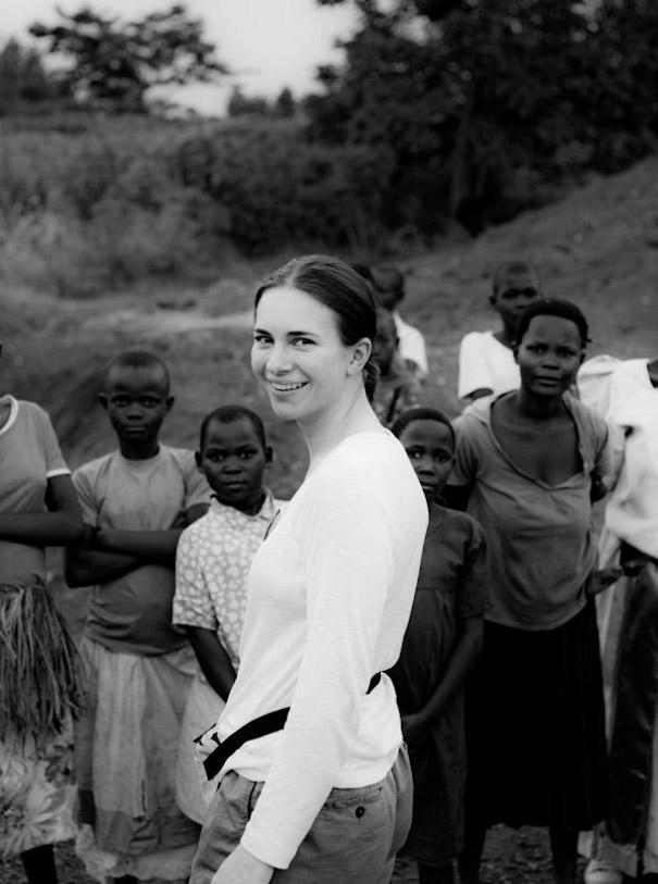 der Preis des Goldes Uganda Frau Gold Kinder Natur