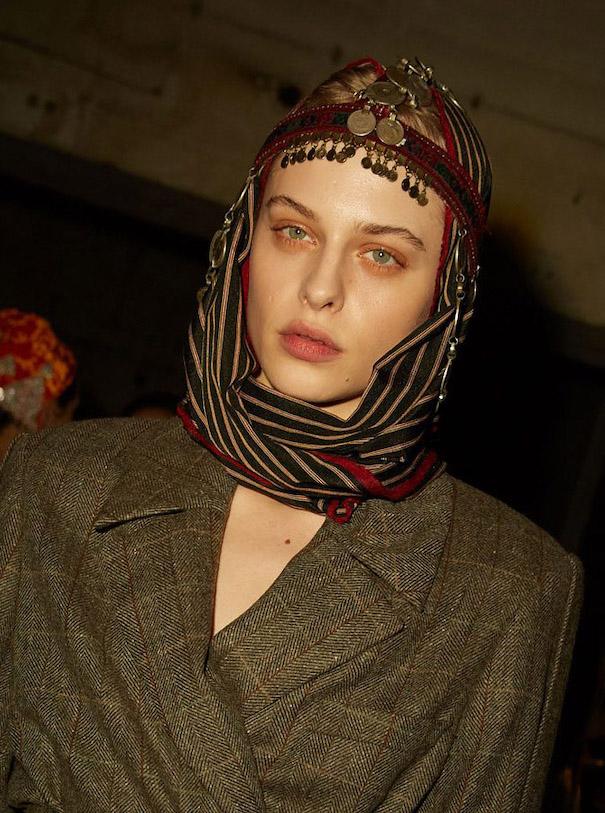 Nobieh talei nobi talai model brown coat read head scarf model