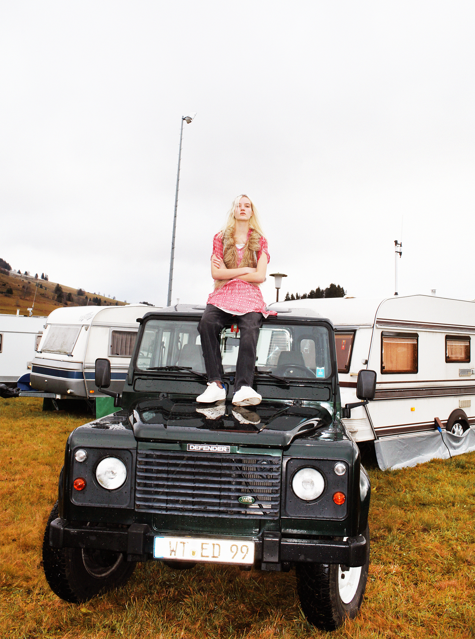 second hand clothes Vestiare Collective Defender Jeep Camping Schwarzwald