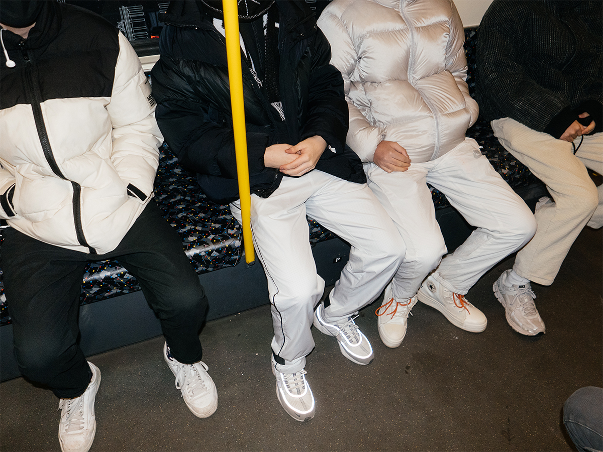 white trousers trend berlin 2021